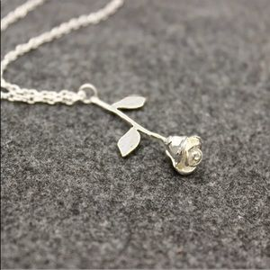 Jewelry - 🌹Rose necklace🌹